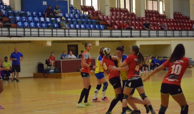 Handbalistele de la CSU Neptun vor evolua vineri, în Sala Sporturilor