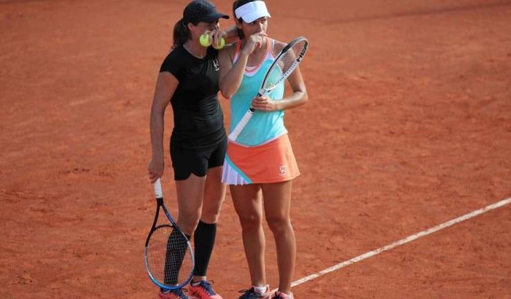 Monica Niculescu şi Raluca Olaru (sursa foto: Facebook Prague Open 2020)