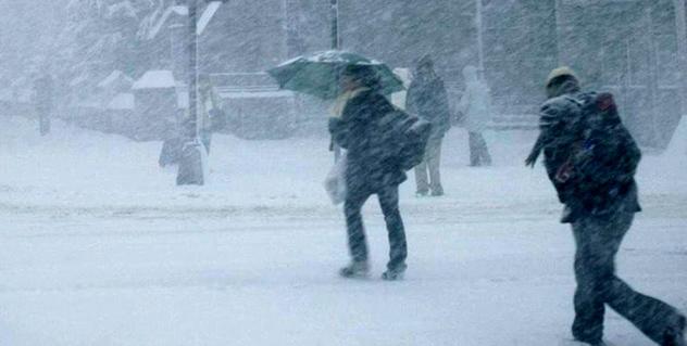 JUMĂTATE DIN ȚARĂ sub COD GALBEN de ninsori, lapoviţă şi polei