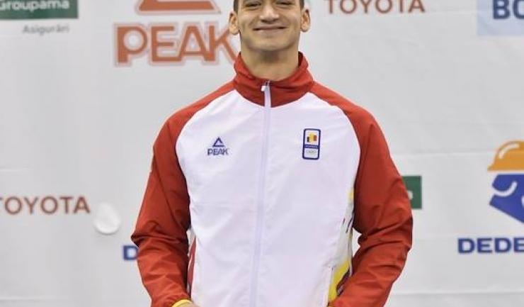 Înotătorul Daniel Martin a obţinut medalia de argint în proba de 100 de metri spate (sursa foto: Facebook Comitetul Olimpic si Sportiv Roman)