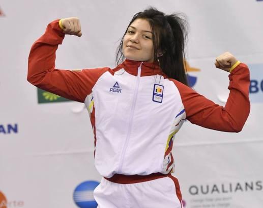 Halterofila Mihaela Cambei a câştigat bronzul la categoria 48 kg (sursa foto: Facebook Comitetul Olimpic si Sportiv Roman)
