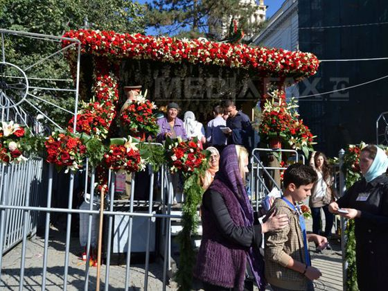 Anul acesta, de Hramul Sfintei Cuvioase Parascheva, sunt aşteptaţi la Iaşi peste 200.000 de pelerini