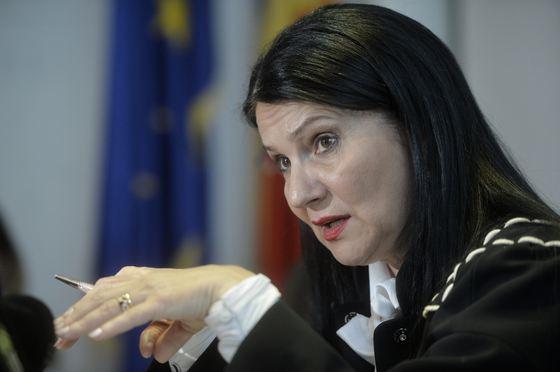 """""""Acest control trebuie să vizeze toţi furnizorii de servicii medicale, atât de stat cât şi private, precum şi toţi medicii din sistemul medical, fie că sunt cetăţeni români sau străini"""