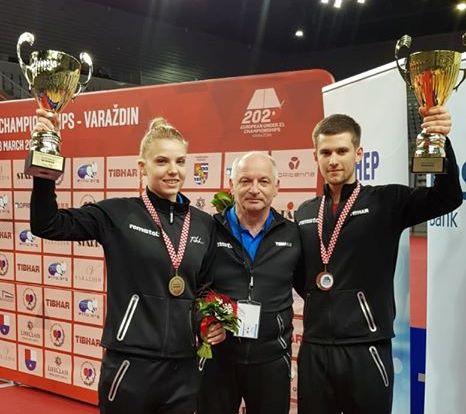 Adina Diaconu, antrenorul Viorel Filimon şi Cristian Pletea (sursa foto: Facebook Federația Română de Tenis de Masă)