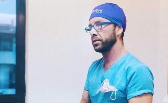Matteo Politi, italianul acuzat că a operat în mai multe clinici private din Bucureşti, deşi avea doar opt clase