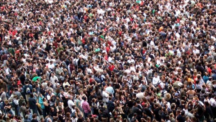 Terra ar putea găzdui aproximativ 11 miliarde de oameni până în anul 2100