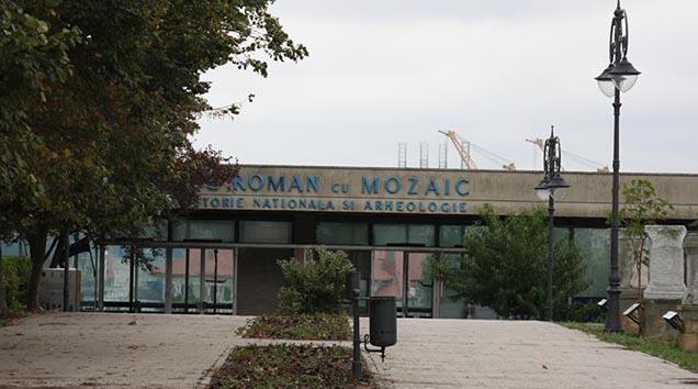 Pentru lucrările de restaurare, conservare, amenajare și punere în valoare a Edificiului Roman cu Mozaic s-a aprobat suma de 3,5 milioane de euro.