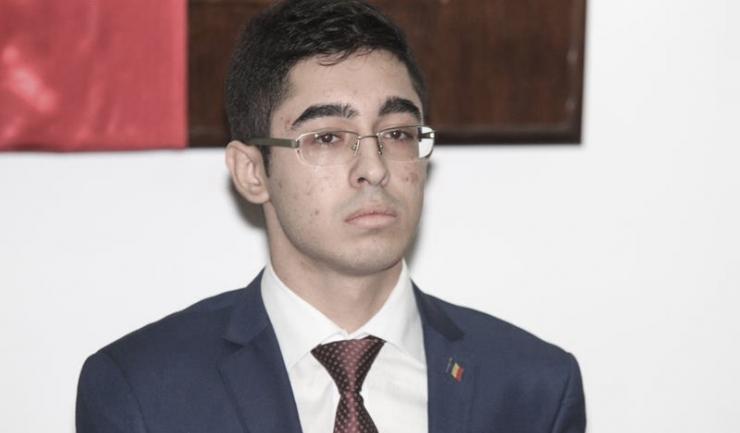 Președintele Asociației Elevilor Constantin Manda