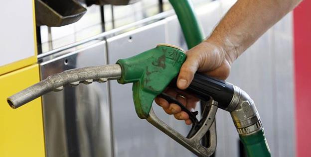 Prețul fără taxe al carburanților comercializați în România este mai mare decât media comunitară