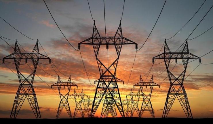 Consumul de electricitate a crescut cu aproape 10%, față de anul trecut