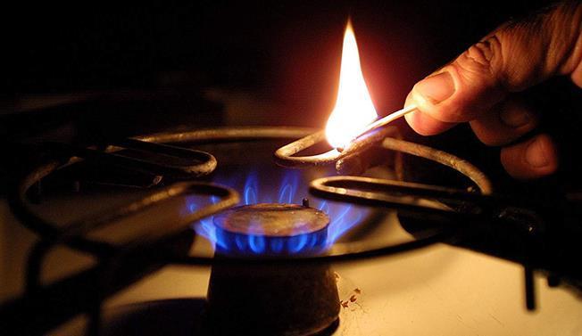 Specialiștii energetici avertizează că scumpirea petrolului ne va arde rău de tot la factura la gaze, în iarnă