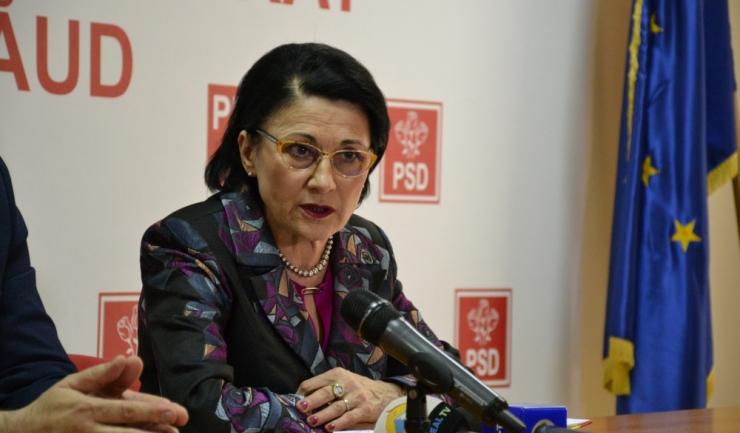 Ministrul Educaţiei Naţionale, Ecaterina Andronescu