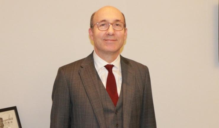 Prof. dr. Ilhan Elmaci, neurochirug de top din cadrul Spitalului ACIBADEM Maslak