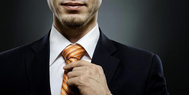 Antreprenorul standard este un bărbat de 40 - 49 ani din București, cu studii superioare, care are firmă de construcții, transport, producție sau comerț