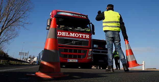 Transportatorii rutieri sunt îndemnați să oprească cinci ore activitatea, joi, 10 ianuarie, în timpul protestului de la Bruxelles