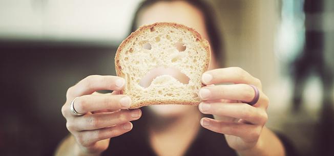 Spitalele, grădinițele și școlile ar putea fi obligate să asigure porții de mâncare fără gluten
