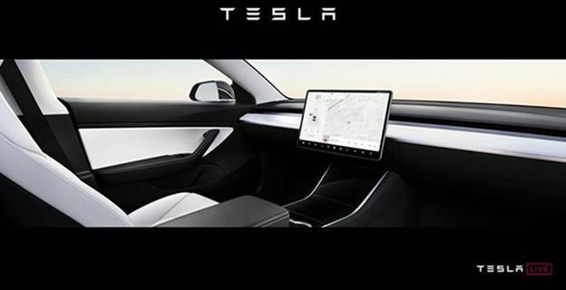 Elon Musk e încrezător că, din 2020, va face concurență Uber și Taxify cu o flotă de robotaxiuri fără șofer