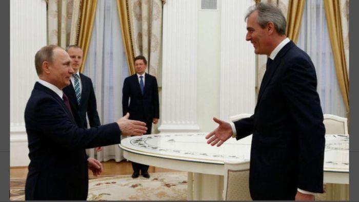 Rainer Seele şi Vladimir Putin, preşedintele Rusiei (sursa foto: facebook.com)
