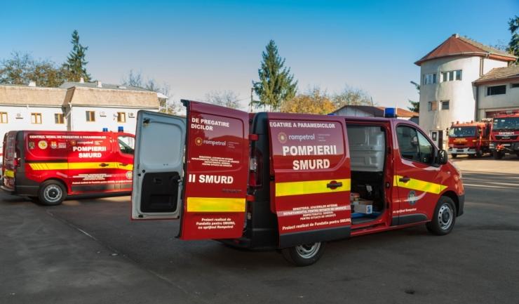 KMG International a achiziționat și donat două centre mobile de instruire pentru SMURD, în valoare de 100.000 dolari