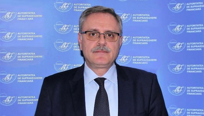 """Cristian Roșu, vicepreședintele Autorității de Supraveghere Financiară: """"Mai mult de jumătate dintre autovehiculele deținute de persoanele fizice se află încadrate în clasa de bonus maxim - B8, ceea ce înseamnă o reducere cu 50% a tarifului poliței RCA"""""""