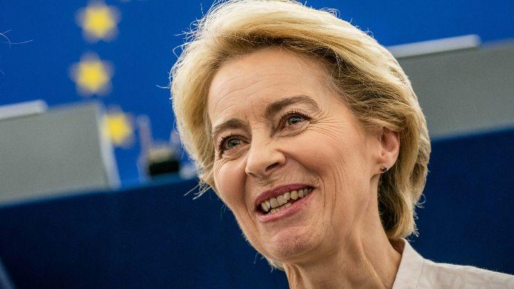 """Preşedintele Comisiei Europene, Ursula von der Leyen, a anunțat că Rovana Plumb, propunerea României pentru Colegiul Comisarilor, """"se va ocupa de portofoliul Transporturi"""""""