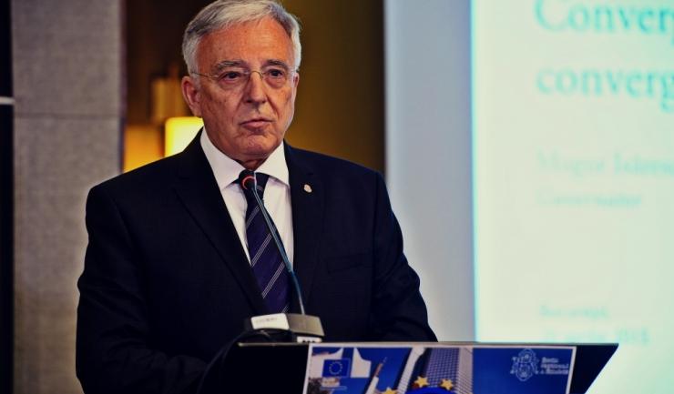 """Guvernatorul BNR, Mugur Isărescu: """"Majorarea salariilor de către politicieni este o consecință dramatică. Lefurile trebuie să crească odată cu productivitatea"""""""