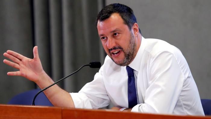 Vicepremierul italian Matteo Salvini, liderul Ligii, speră ca moţiunea de cenzură să declanşeze ulterior alegeri anticipate