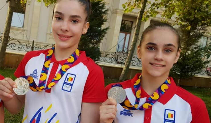 Silvia Sfiringu şi Ioana Stănciulescu (sursa foto: Facebook Comitetul Olimpic si Sportiv Roman)