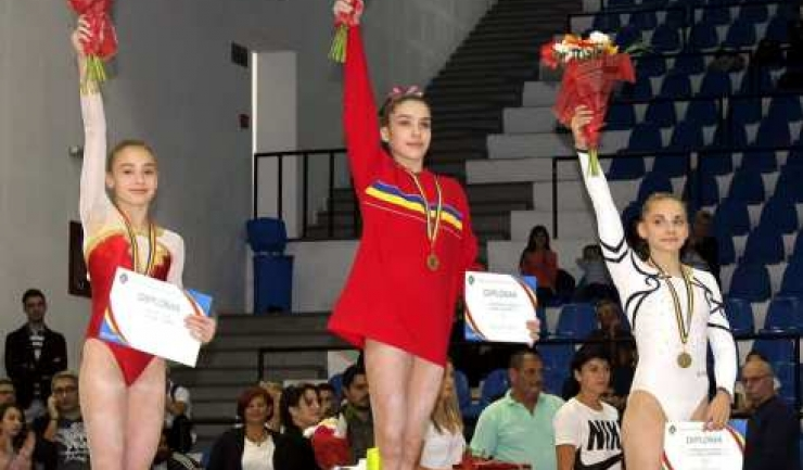 Silviana Sfiringu a cucerit cinci medalii la Ploieşti (sursa foto: Facebook Federaţia Română de Gimnastică)