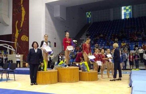 La individual compus, Silviana Sfiringu şi Ioana Stănciulescu au ocupat primele două trepte ale podiumului (sursa foto: Facebook Federaţia Română de Gimnastică)