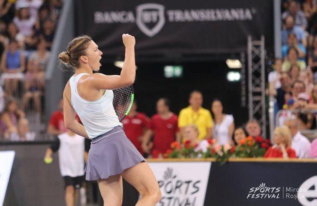 Simona Halep a învins-o cu 4-1 pe Daniela Hantuchova în meciul demonstrativ (sursa foto: Facebook SportsFestival)