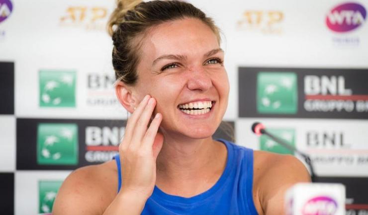 Simona Halep are toate motivele să zâmbească (sursa foto: Facebook Simona Halep)