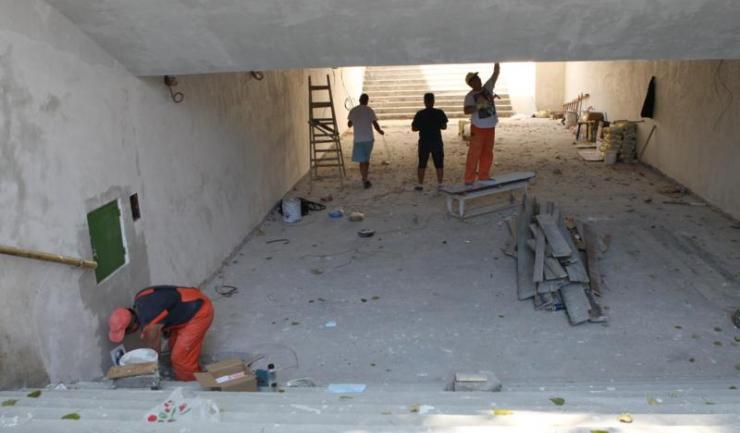 Lucrările de recondiționare a pasajului din zona Abator, aflat pe Șoseaua Mangaliei, continuă și săptămâna aceasta