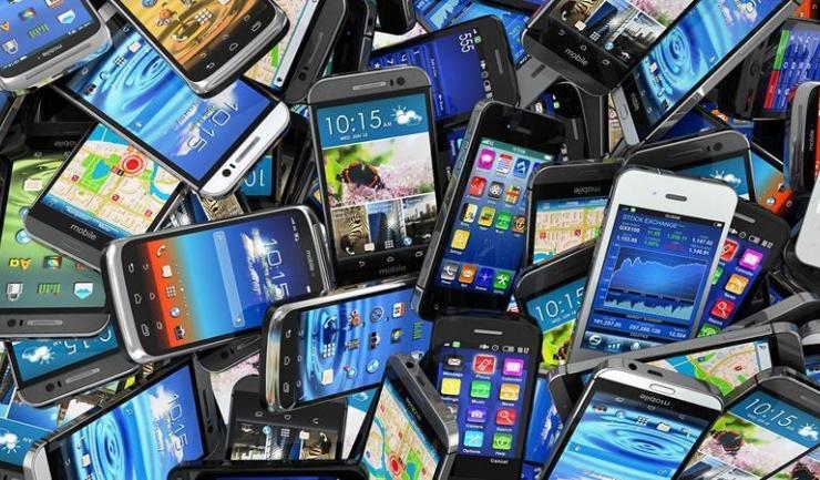 Telefoanele mobile sunt supuse taxării inverse, în România