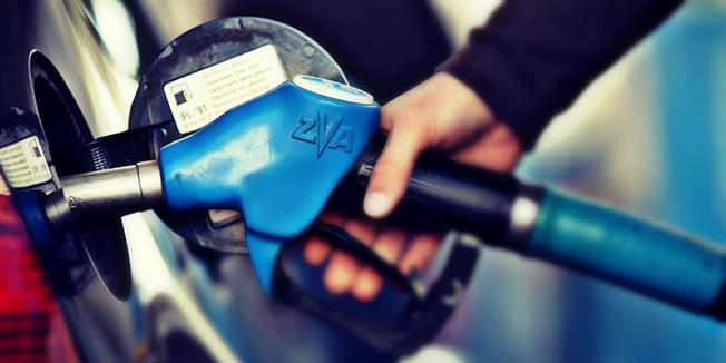 Taxele reprezintă aproape 50% din prețul carburanților comercializați în România