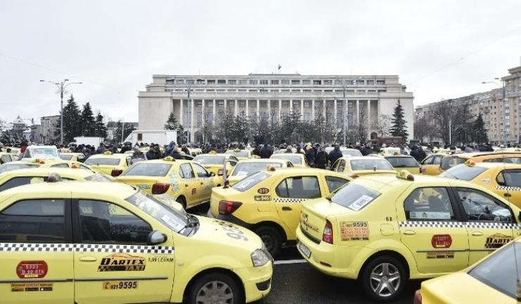Taximetriștii cer Guvernului legi și condiții identice pentru platformele de ride-sharing. Adică super-control și super-fiscalizare