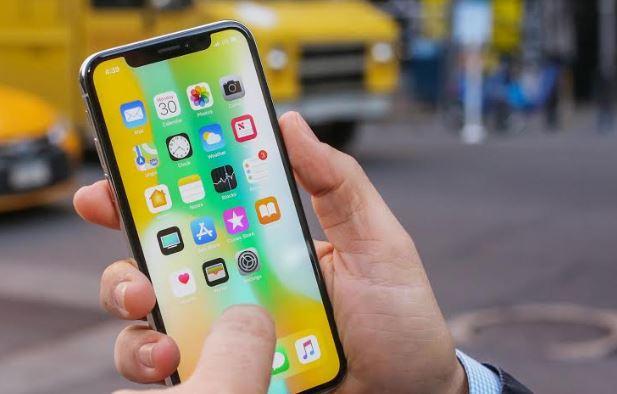 Atenție la țepe! Mulți români au crezut că pot lua un iPhone X cu doar 1 euro...