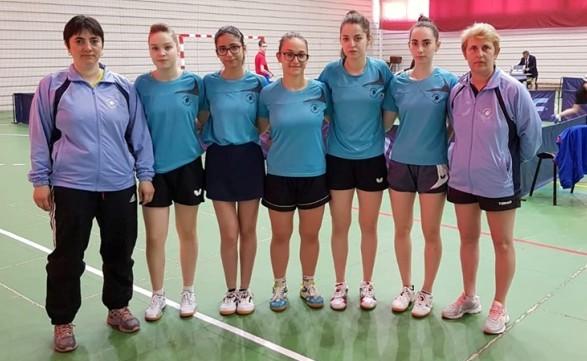 Delegaţia constănţeană care a participat la Câmpulung (sursa foto: Facebook Tenis de Masa pentru Viitor - Constanta)