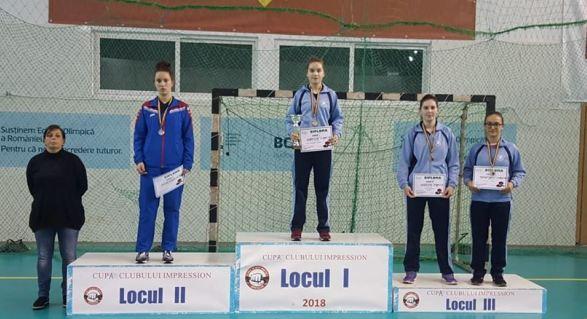 La tineret, Elena Zaharia a fost învingătoare, iar Alina Zaharia şi Camelia Mitrofan s-au clasat pe locul 3 (sursa foto: Facebook Tenis de Masa pentru Viitor - Constanta)