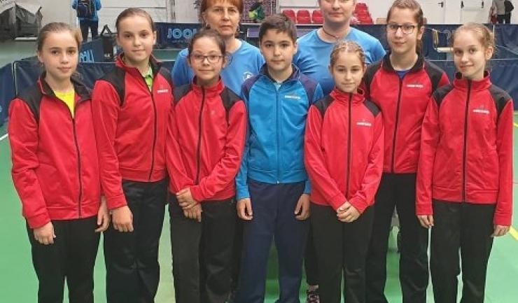 Delegaţia constănţeană care a participat la Dumbrăvița (sursa foto: Facebook Tenis de Masa pentru Viitor - Constanta)