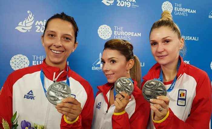 Elizabeta Samara, Bernadette Szocs si Daniela Dodean (sursa foto: Facebook Comitetul Olimpic si Sportiv Roman)
