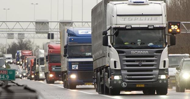 Transportatorii cer menținerea legislației curente RCA, în lumina amenzilor uriașe aplicate asigurătorilor de către Consiliul Concurenței