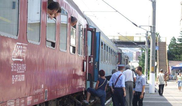 CFR Călători suplimentează numărul de locuri în trenurile către litoral