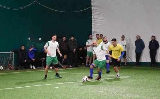 Trocadero (echipament alb-verde) a obţinut un punct important în meciul cu Arsenal Inel II
