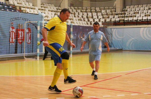 Sorin Başturea (echipament galben-albastru) a înscris primul gol pentru Tomis-Millenium în partida cu Municipal-CFR