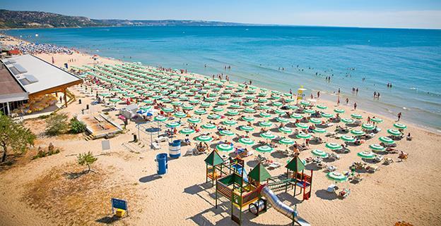 Consiliul Concurenței a sancționat 13 agenții de turism și ANAT pentru coordonarea prețurilor produselor de profil