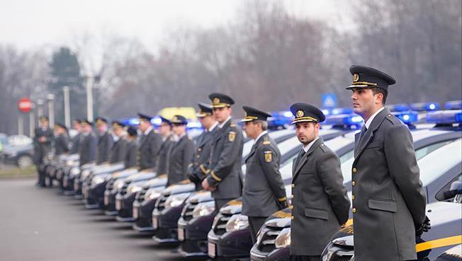 ANAF și-a reînnoit flota auto cu trei - patru milioane euro, banii venind din contribuția obligatorie plătită de JTI România