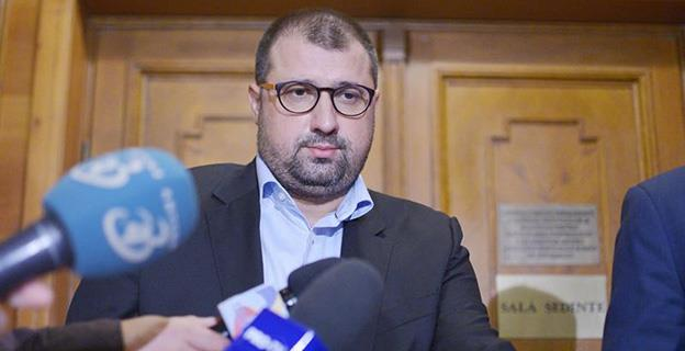 """Daniel Dragomir: """"Partidul Alianţa Naţională este o mişcare naţională care îşi fondează ideologia pe principii patriotice, conservatoare, de respectare a tradiţiilor şi valorilor româneşti, pe sprijinirea capitalului autohton"""""""