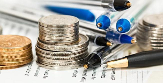În continuare, micile afaceri sunt taxate pe afaceri, iar cele mari pe profit, care poate fi însă diminuat artificial