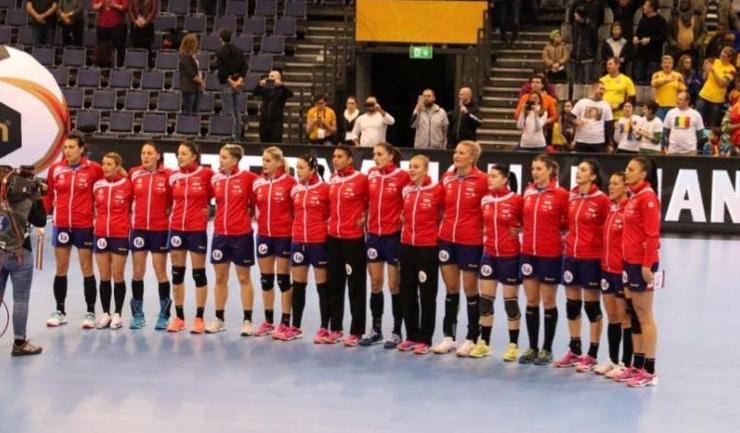 Handbalistele pregătite de Ambros Martin nu au avut emoţii în duelul cu Paraguay (sursa foto: Facebook FRH - Federația Română de Handbal Official)